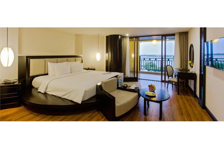 Phòng Premium River View Suite