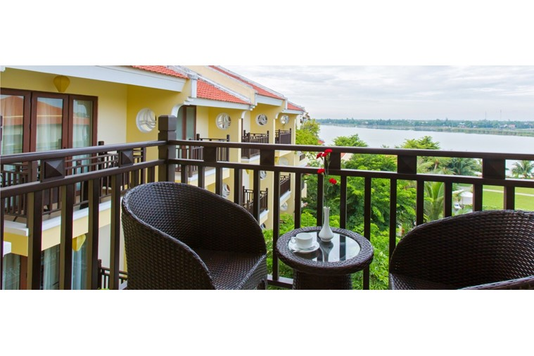 Phòng Deluxe Double River View Balcony