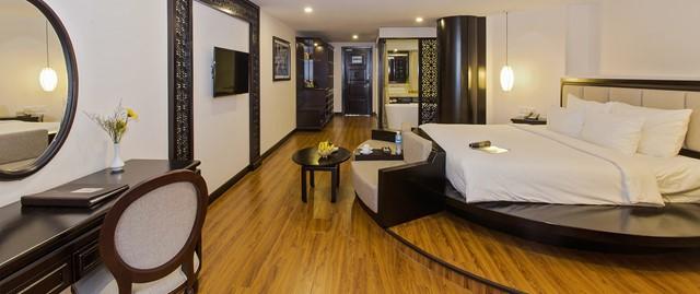 Premium River View Suite