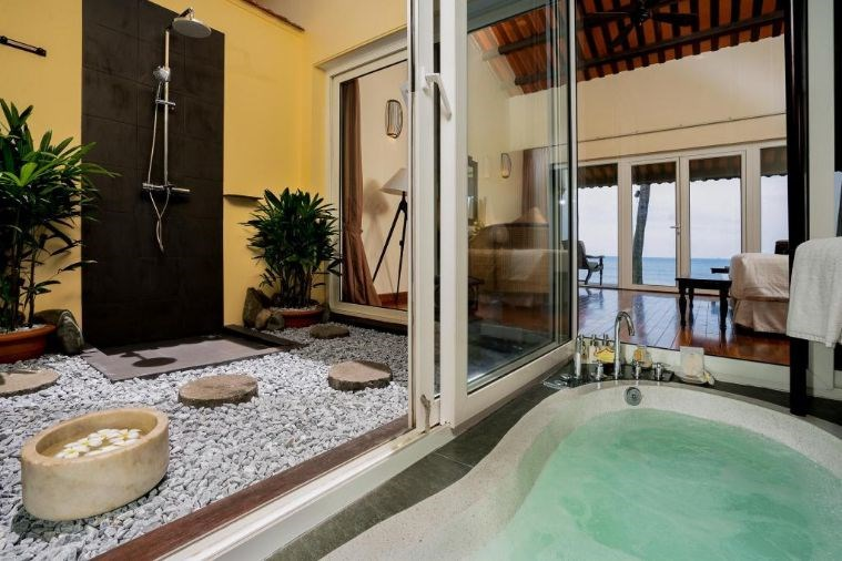 Khách Sạn Victoria Hoi An Beach Resort & Spa