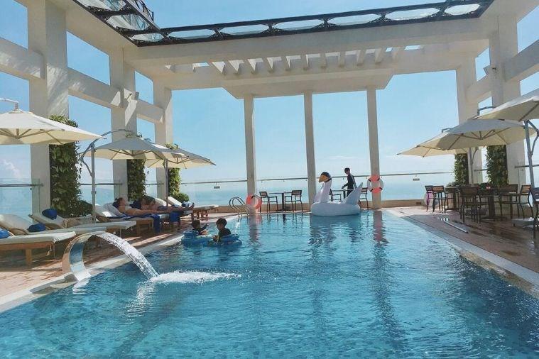 Khách Sạn Paris Deli Đà Nẵng Beach