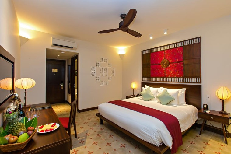 Grand Deluxe Double Room - Pool & Town View