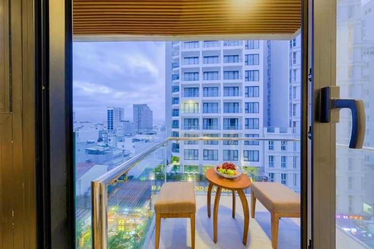 Phòng Deluxe Twin City View With Balcony
