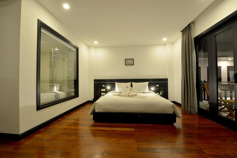 Phòng Deluxe Double With Balcony
