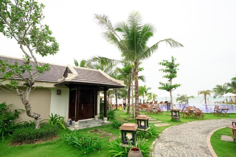 ANJA Beachfront Bungalow with Private Pool