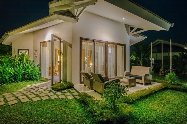 Luxury Villa King Garden View