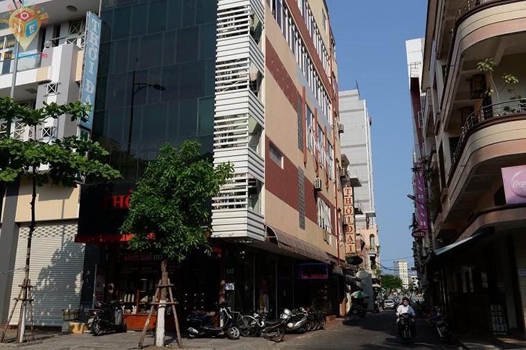 Khách sạn Thời Đại