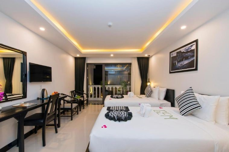 Phòng Deluxe Twin Balcony