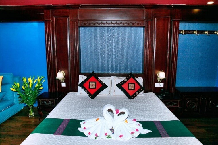 Phòng Deluxe Double nhìn ra phố