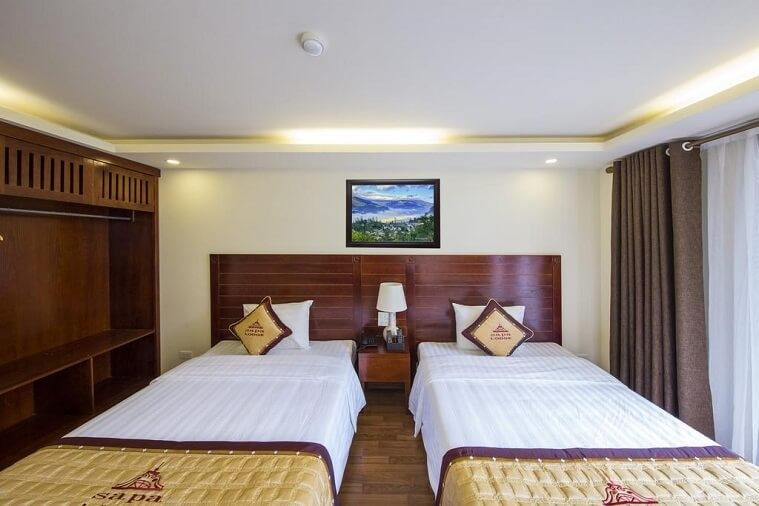 Phòng Deluxe Twin Hướng Phố