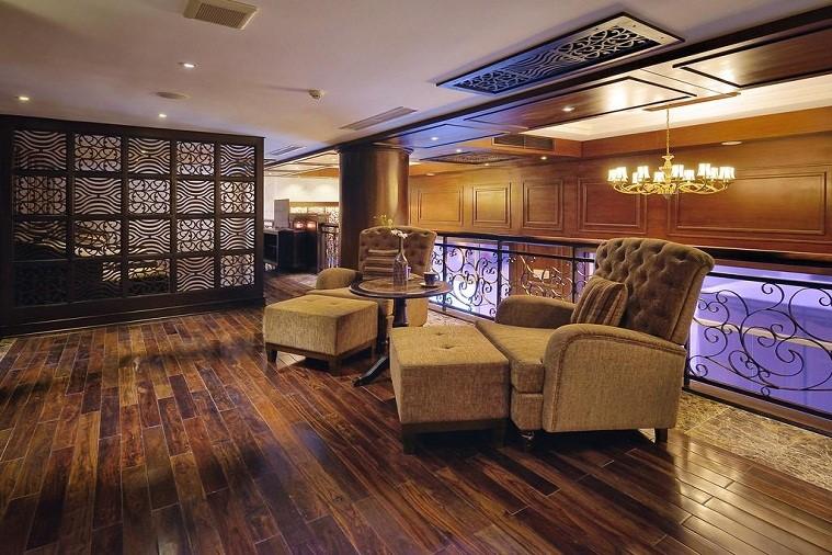 Khách sạn Paradise Suites Hạ Long