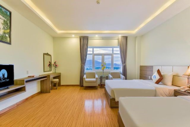 Phòng Premier Deluxe Twin Sea View
