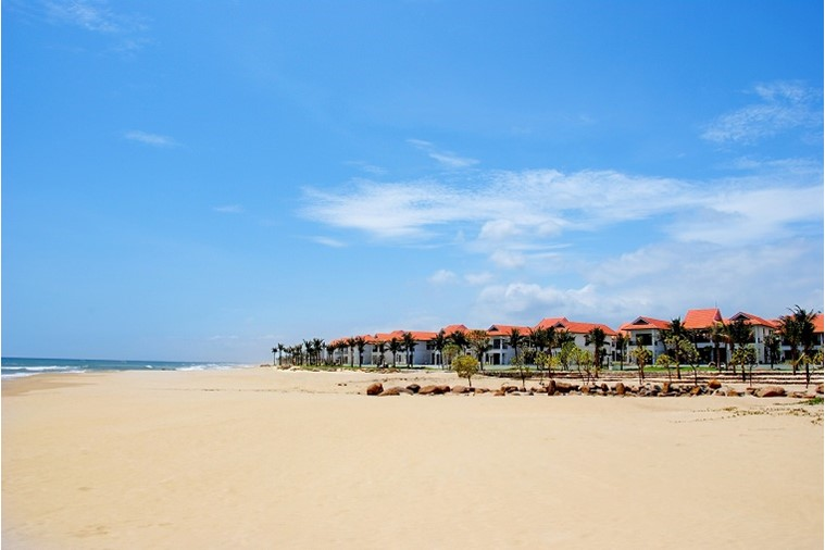 4 Bedroom Beachfront Pool Villa