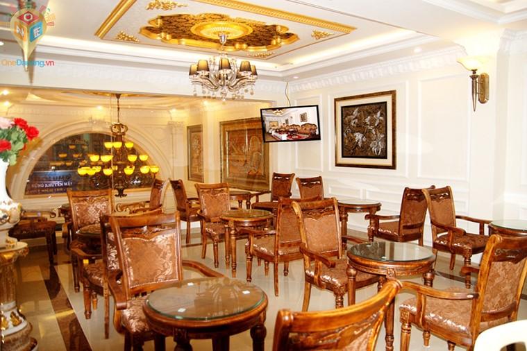 Khách sạn Louis