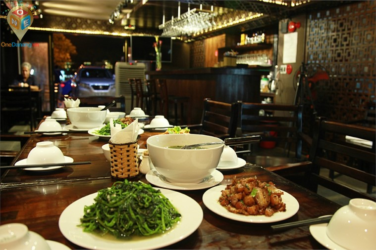 Khách sạn Dung Hòa
