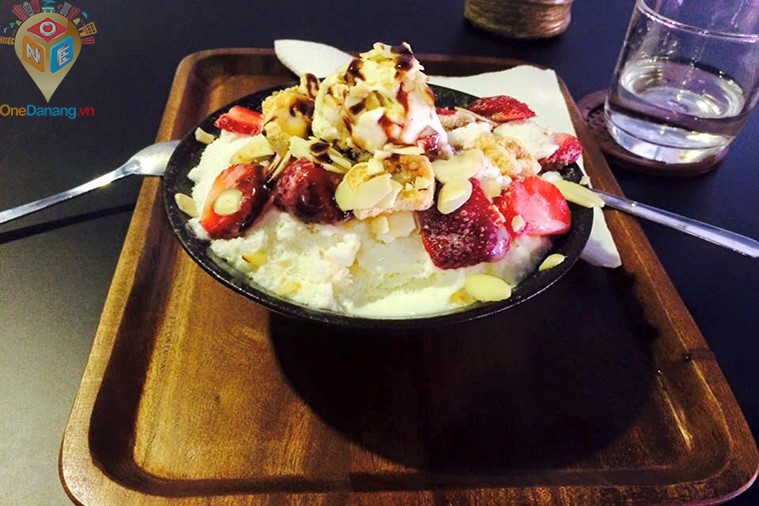 The Mana Cafe - Bingsu