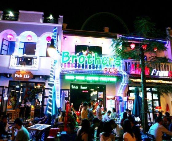 Brothers Pub - Hạ Long