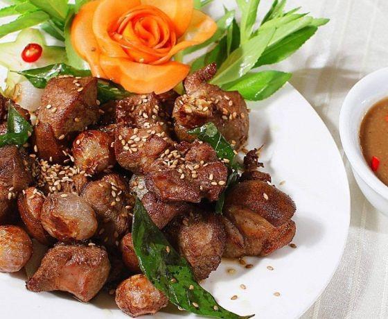 Quán lẩu dê Chóp Chài - Phú Yên