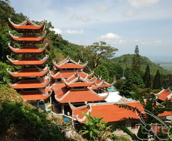 Chùa núi Tà Cú - Phan Thiết