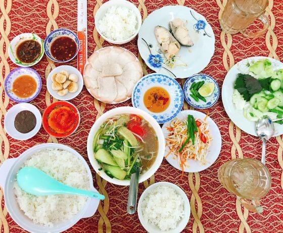 Cơm Bình Minh - Nha Trang
