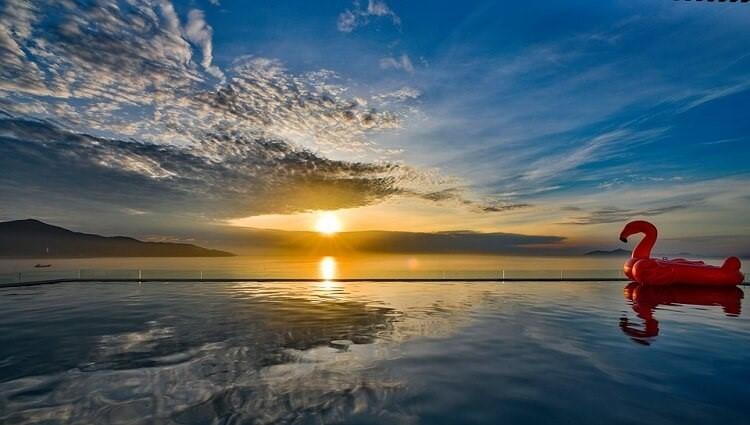 Top Khách sạn Đà Nẵng sở hữu Hồ bơi vô cực view cực kỳ sang chảnh bạn phải checkin 1 lần