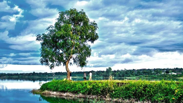 Về Biển Hồ xanh ngắt ở Pleiku