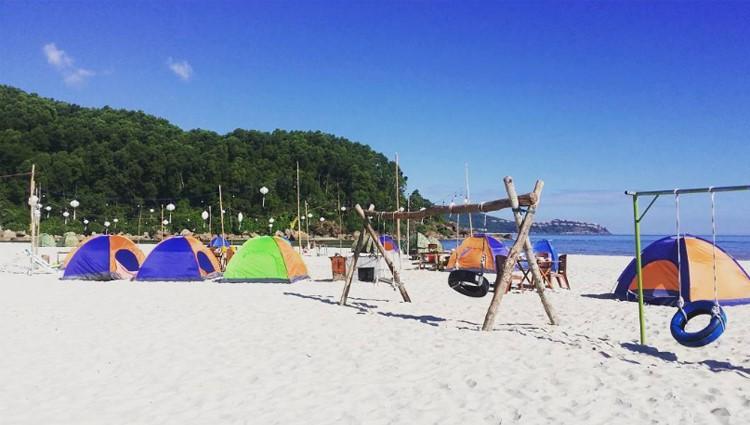 Đua nhau check-in Cảnh Dương Beachcamp khu cắm trại mới toanh ở Huế