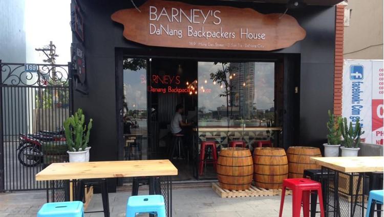 Đến Đà Nẵng ở Barney's Danang Backpackers Hostel cực đẹp bên sông Hàn