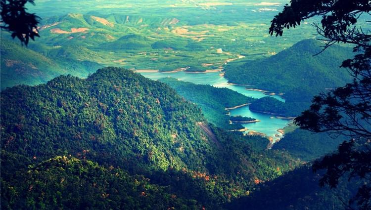 5 chốn đẹp như mơ mà lại vắng vẻ ở Đà Nẵng