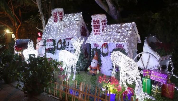 Bật mí 6 địa điểm vui chơi Giáng Sinh lung linh không thể không ghé tại Đà Nẵng