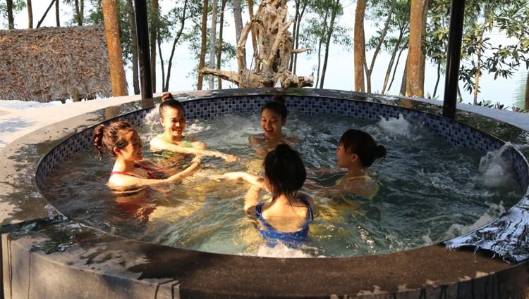 Trốn Đà Nẵng tìm về khu du lịch sinh thái Hồ Phú Ninh