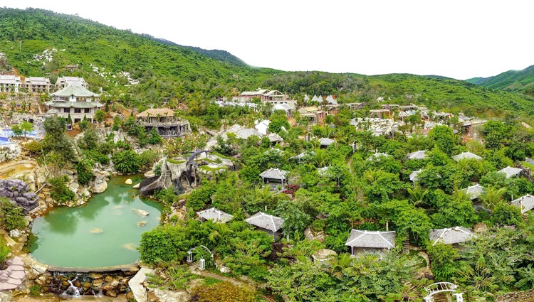 Đà Nẵng ra mắt Công viên suối khoáng nóng Núi Thần Tài