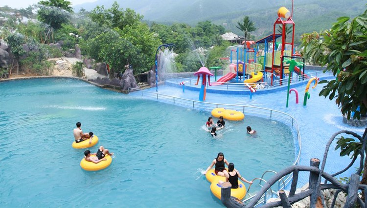 Trải nghiệm tắm khoáng tự nhiên tại Núi Thần Tài Đà Nẵng