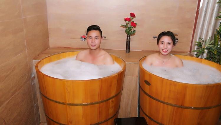 Vén màn bí mật tắm lá thuốc của người Dao đỏ tại Cham Spa & Massage Đà Nẵng