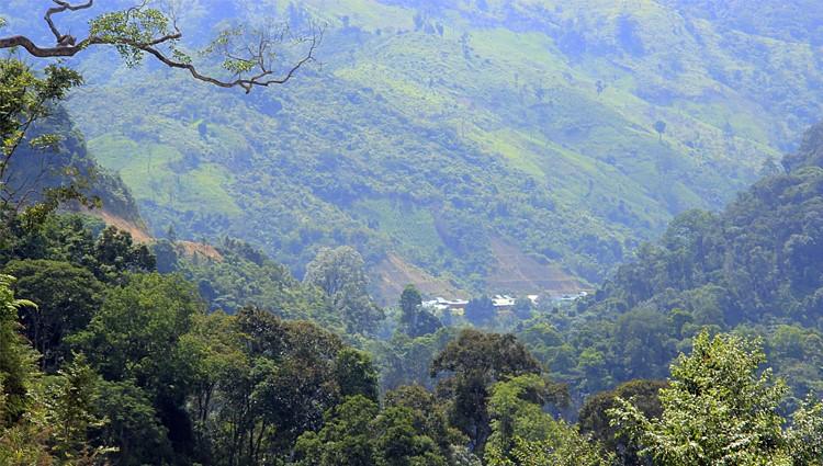 Phượt lên với núi rừng xanh thẳm Tây Giang – Sapa ngay giữa lòng miền Trung