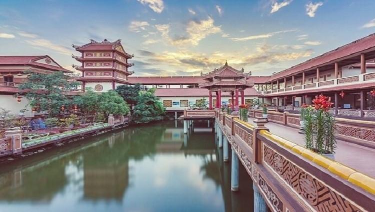 Thử một lần lạc lối vào thế giới Trung hoa chùa Nam Sơn ở ngoại ô Đà Nẵng và cái kết!