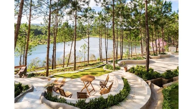 Đi Đà Lạt phải ghé những resort view hồ Tuyền Lâm đẹp như thế này nhé.