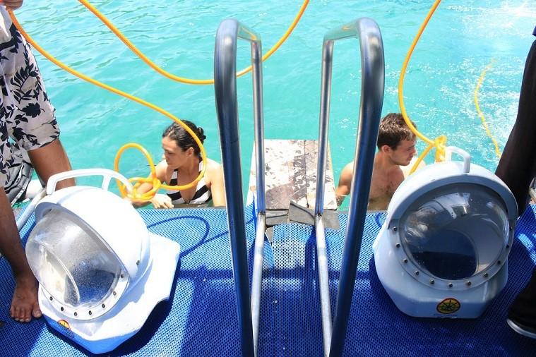 Tour Đi Bộ Dưới Đáy Biển Nha Trang 1 Ngày