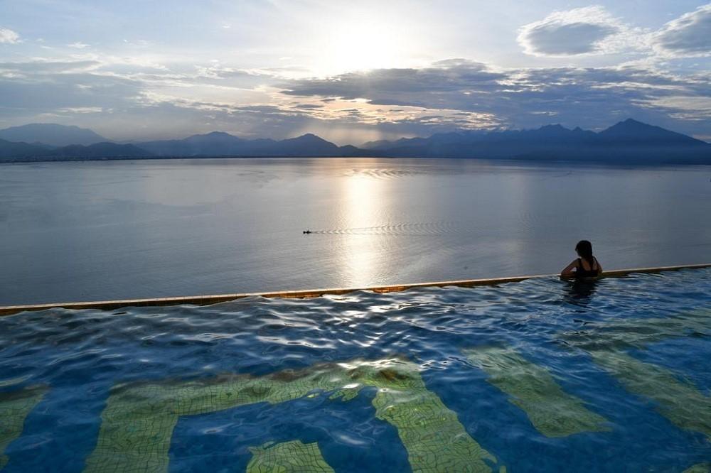 [Khách sạn Golden Bay Đà Nẵng 5 sao ] Combo 3N2Đ - Đêm nghỉ + Bữa sáng + Đón sân bay