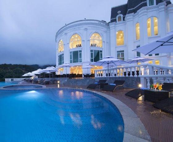 [Wonder Resort Đà Lạt] Combo 3N2Đ - Đêm lưu trú + Ăn sáng + Ăn tối/Ăn trưa + Tham quan khu vui chơi Wonder Land + Massage trị liệu + Xe buýt