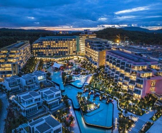 [Premier Residences Phú Quốc Emerald Bay] Combo 3N2Đ - Đêm lưu trú + Ăn sáng + Vé cáp treo + Aquatopia Water Park
