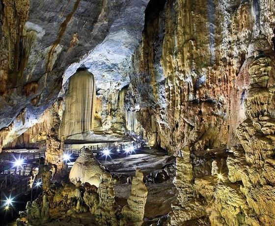 Đà Nẵng - Động Phong Nha - Động Thiên Đường - Tượng Mẹ Suốt Quảng Bình 3 ngày 2 đêm